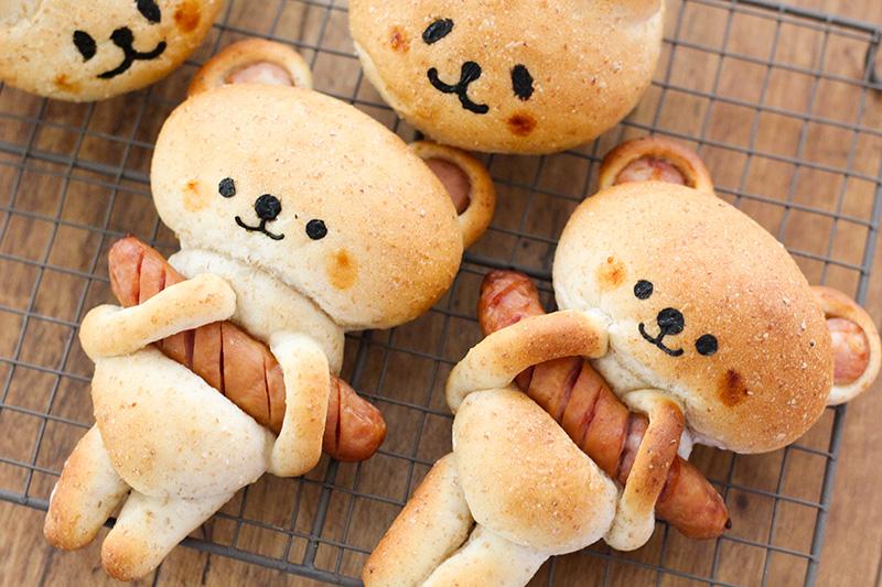 ソーセージ抱っこくまパン